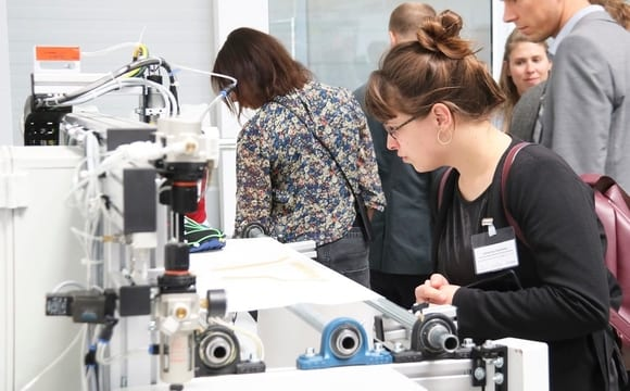 "Second Workshop ""Additive manufacturing for the textile industry"" at KARL MAYER"